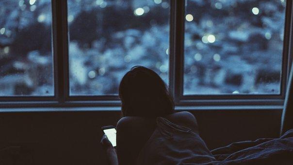 ragazza vetrata isolante
